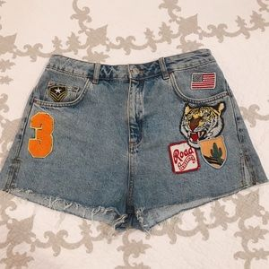 Topshop Patch Shorts 🐯